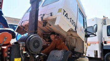 el 3 de rincon que repara el tren delantero