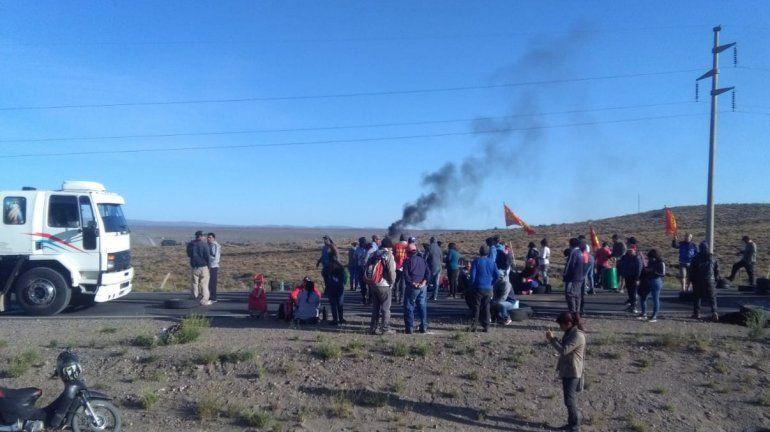 Desocupados cortan Ruta 22 en Zapala en reclamo de puestos de trabajo