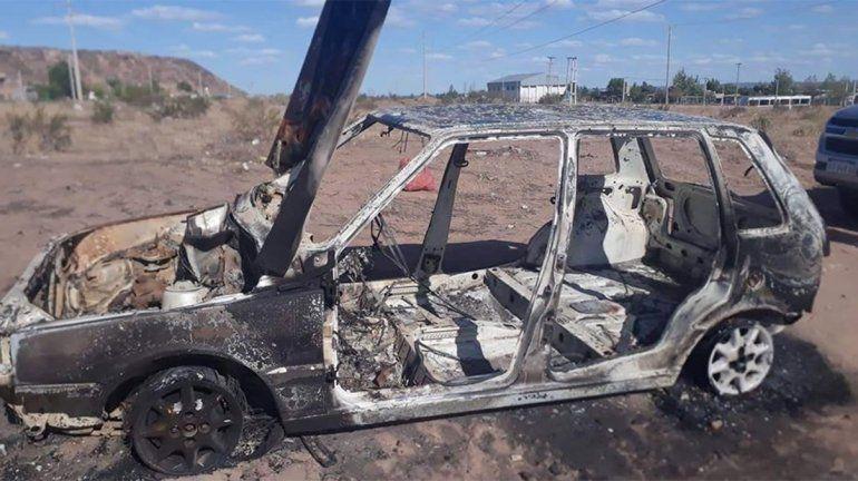 Fue a disfrutar del río y le robaron el auto: lo encontró desmantelado y quemado en Cuenca XVI