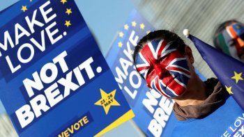londres: alcalde da ayuda psicologica por el brexit