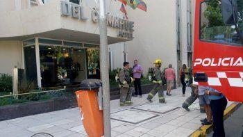 un hombre fue asistido por un incendio en el hotel del comahue