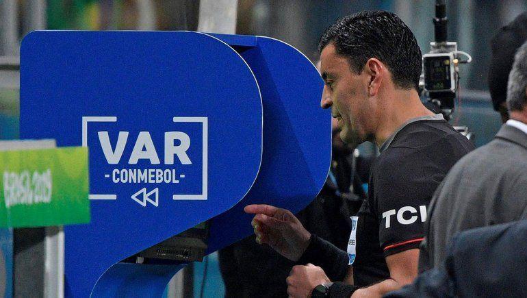 El VAR empezará a jugar en octavos de finalde Sudamericana y Libertadores
