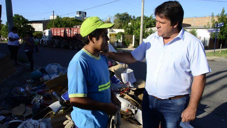 Mariano Gaido encabezó el Operativo de limpieza en el barrio Villa Farrell