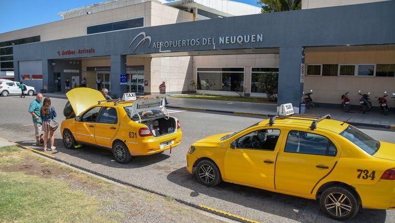 Taxistas se oponen al micro del aeropuerto