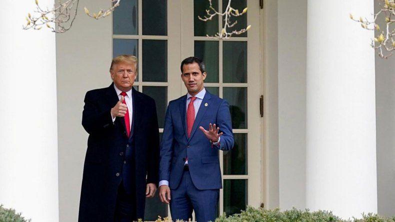 Estados Unidos apoyó a Guaidó y amenazó a Maduro