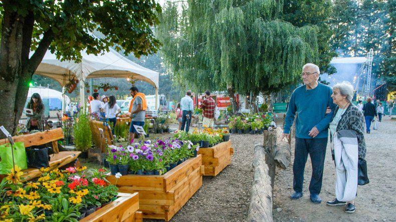 Mucho color y música en la Fiesta de los Jardines
