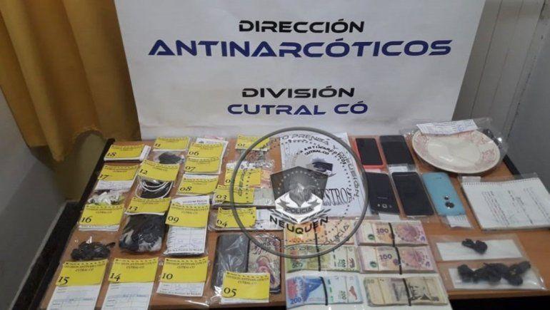 Reventaron dos kioscos narcos en Plaza Huincul