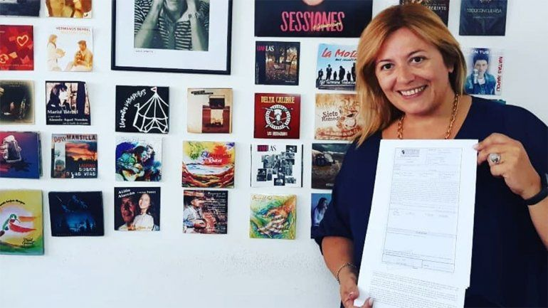 La periodista Karina Maureira ya tiene listo su disco de covers