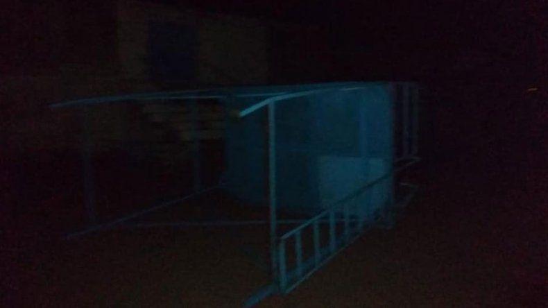 Cutral Co: el temporal causó destrozos en la cancha de Alianza
