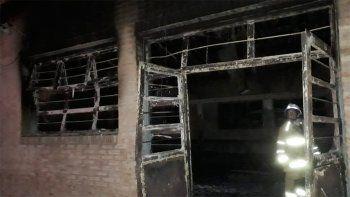 un incendio destruyo el cpem 16 de picun leufu
