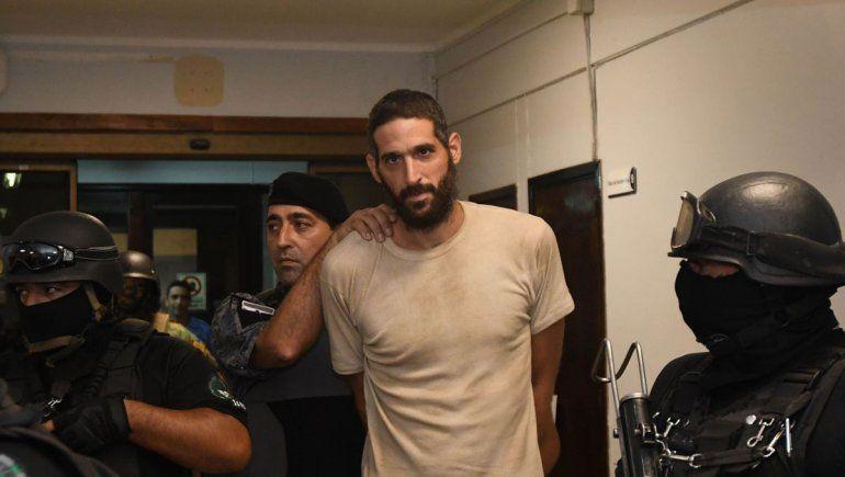 El israelí que mató a la madre y a la tía fue a tribunales y maulló