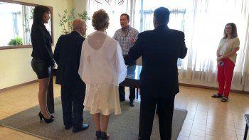 cipolenos eligen casarse en el dia de los enamorados