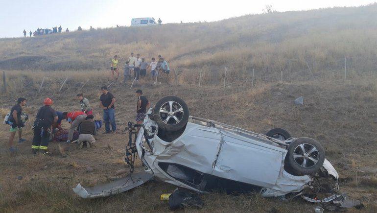 Ruta 40: perdió el control, se despistó y cayó treinta metros por un barranco
