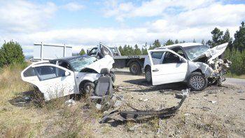 choque frontal en ruta 40: un muerto y 4 heridos graves