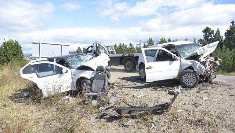 Choque frontal en la Ruta 40: un muerto y cuatro heridos graves