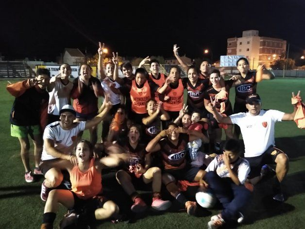 El festejo por el título en la Neuquén Cup