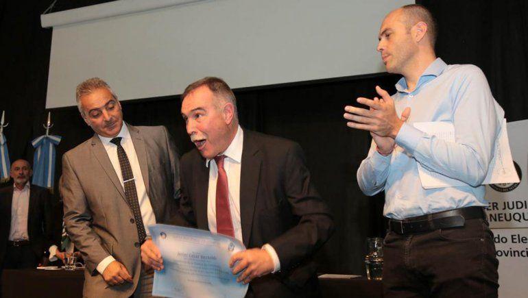 Javier Bertoldi abre sesiones con una baja en los salarios
