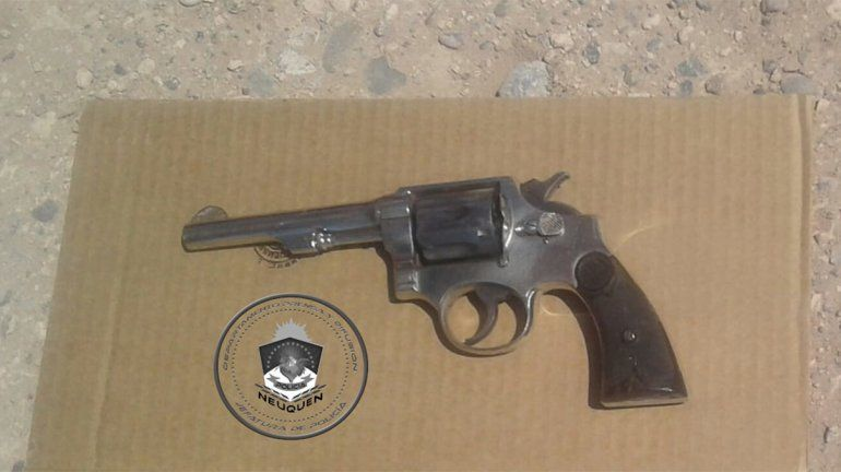 Detuvieron a un joven con un arma de fuego en la toma de la Autovía Norte