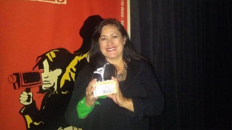 La neuquina Aymará Rovera fue premiada en Chile