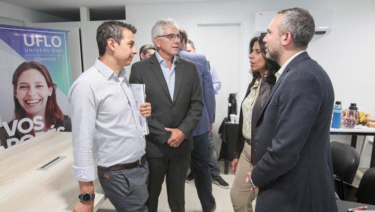UFLO presentó la segunda cátedra de emprendedores