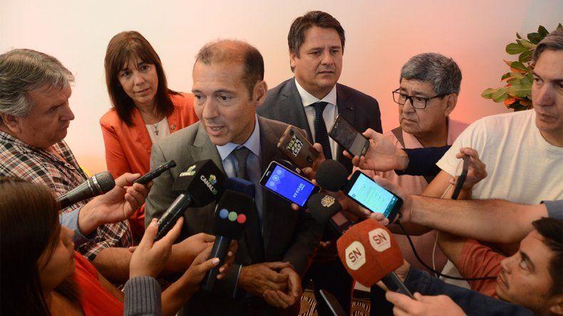Gutiérrez dijo que convocarán a los gremios la semana próxima