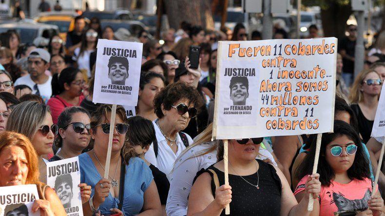 En Neuquén una multitud marchó para pedir justicia por Fernando Báez Sosa