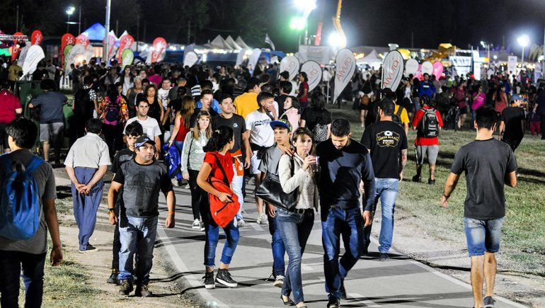 El 20% del turismo vino por la Fiesta de la Confluencia