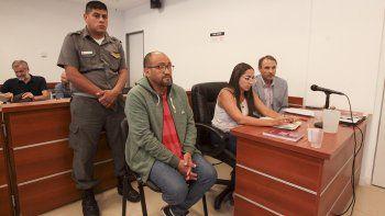 el vecinalista lopez seguira detenido pero en su casa
