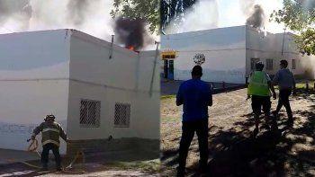 docentes salieron corriendo de escuela que se quemaba