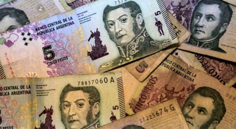Los billetes de cinco pesos pueden ser canjeados en los bancos.