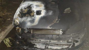 el chanar: para bomberos, el incendio del auto fue accidental