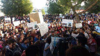 puerto deseado: masiva marcha reclamo castigo para los culpables