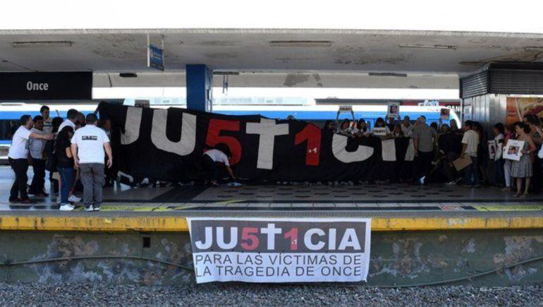 Sentido homenaje en busca de justicia a ocho años de la Tragedia de Once