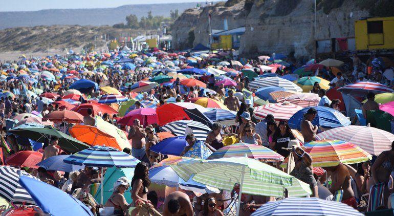 Por el carnaval, no entra un alfiler en Las Grutas