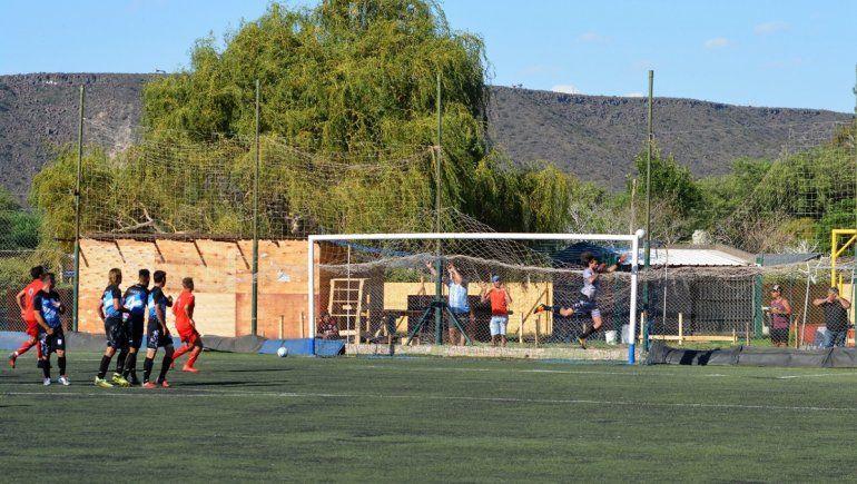 El Rojo hizo negocio en Rincón y hubo clima caliente en las tribunas