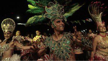 La Comparsa El Ceibo una de las presentes en el carnaval de Plottier.