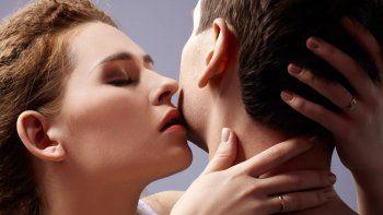 estudio: a traves del olfato crecen el deseo y la atraccion sexual
