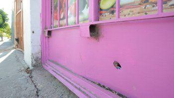 ataque en el barrio huiliches: vinieron directamente a matarnos a balazos