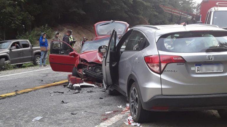 Cuatro heridos en un violento choque en la Ruta 40