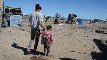 Salud en la Toma Casimiro: hay nenes enfermos y con picaduras