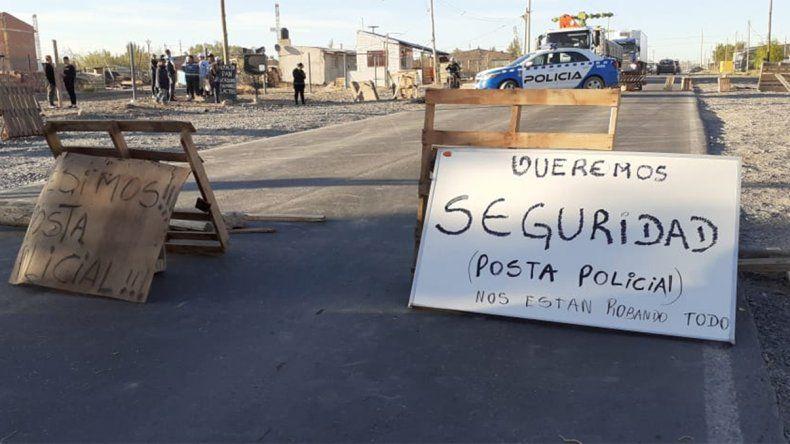 Sigue el reclamo de los vecinos por seguridad: cortan Trabajadores de la Industria