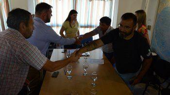 ate y upcn firmaron el acuerdo paritario con el gobierno