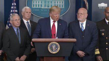 Trump analiza medidas de aislamiento parcial ante la pandemia.