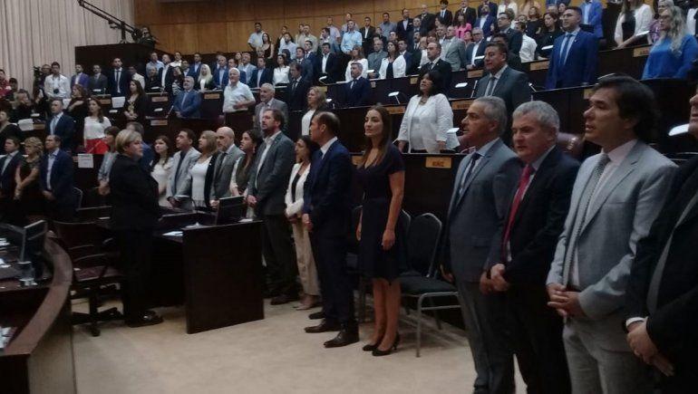 Gutiérrez dio un discurso ante la Legislatura en la que repasó su gestión, anunció obras y se refirió a la realidad de Vaca Muerta.