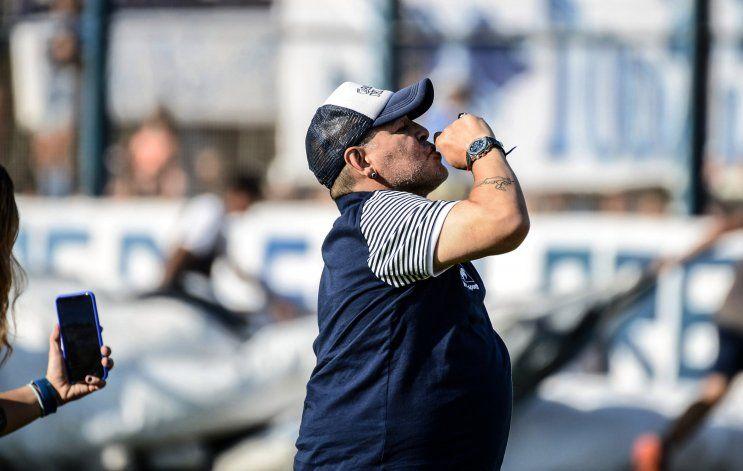Maradona avisó que hoy se debe a Gimnasia y quiere ganar en La Boca.