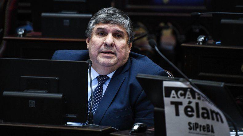 Jefe de bloque de oficialismo criticó a Alberto por el aborto