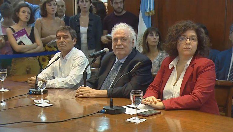 Ginés González García dijo que prueban un medicamento contra la malaria para combatir el coronavirus.