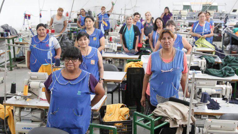 Trabajadoras textiles en el 8M: de la tragedia a la fortaleza ...