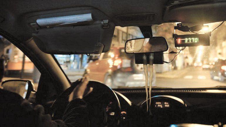 Encontraron un taxi robado cuando notificaban por otra causa