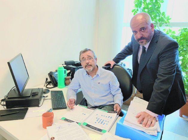 El fiscal de Delitos Económicos, Marcelo Jara, y el funcionario judicial Marcelo Zárate investigan la causa.